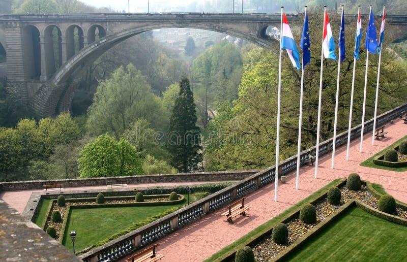 Petrusse Park und Adolphe-Brücke, Luxemburg stockfotos