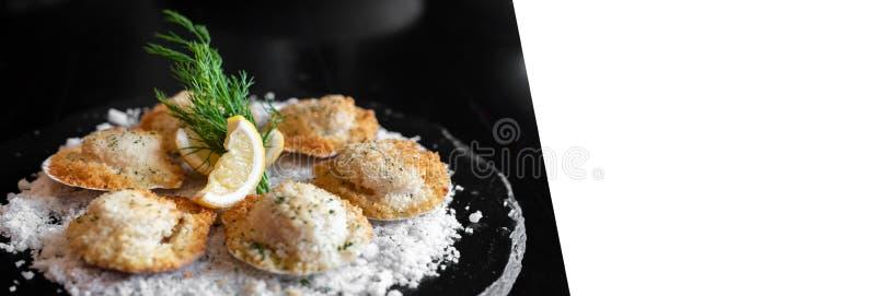 Pettini fritti nel grasso bollente dell'Hokkaido fotografie stock libere da diritti