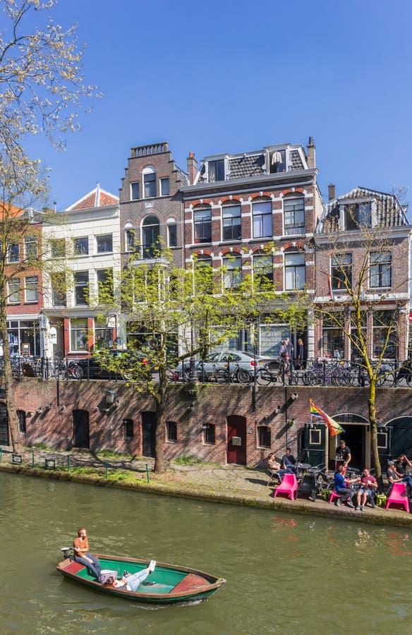 Peu de bateau dans les canaux d'Utrecht photos libres de droits