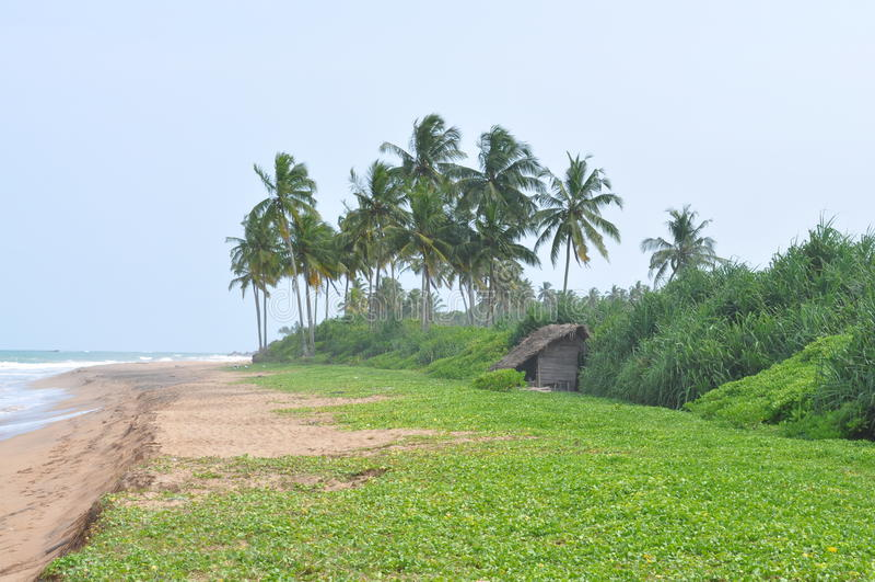 Peu de Chambre sur les rivages de l'océan photo stock