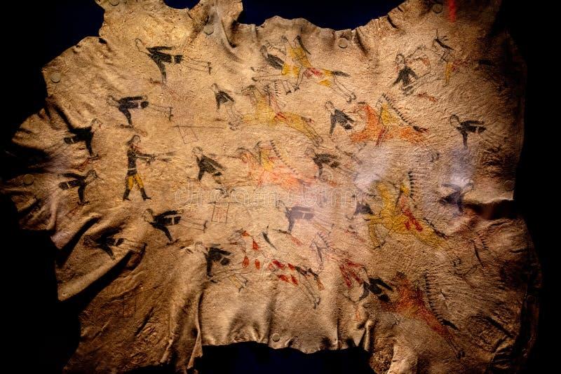 Peu de grande peinture de Cheyenne de bataille de klaxon sur la peau de buffle photo libre de droits