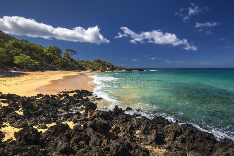 Peu de plage, Makena State Park, Maui du sud, Hawaï, Etats-Unis photo stock