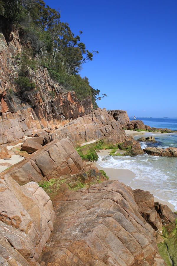 Peu de plage, Nelson Bay photos stock