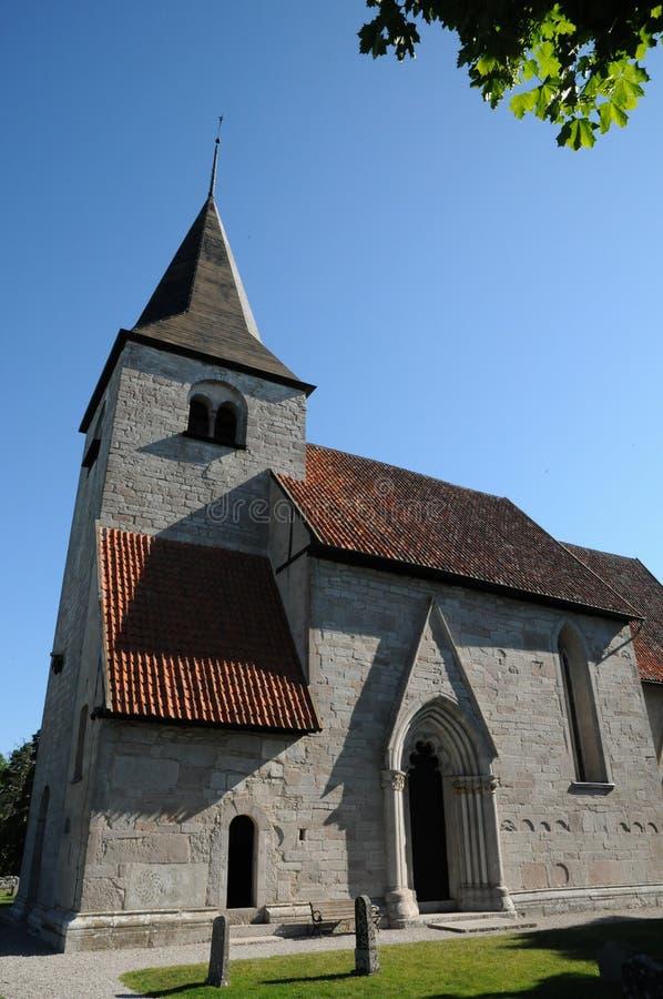 Peu de vieille église de Bro photographie stock libre de droits