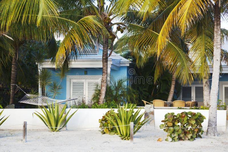 Peu de villa chez Jolly Beach, Antigua photographie stock libre de droits
