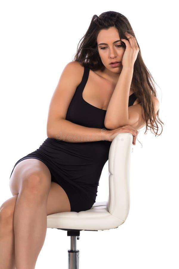 Peu robe noire images stock