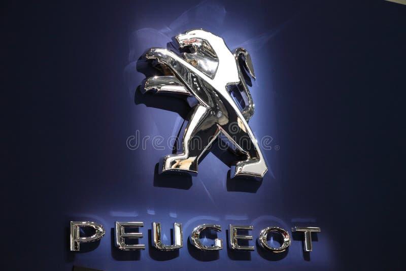 Peugeot Lew Firma logo obrazy stock