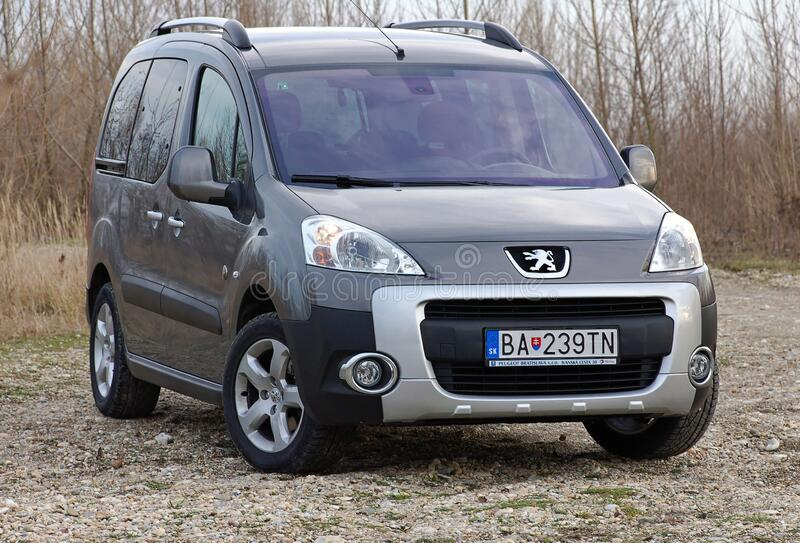 183 Peugeot Van Photos - Free & Royalty-Free Stock Photos from ...