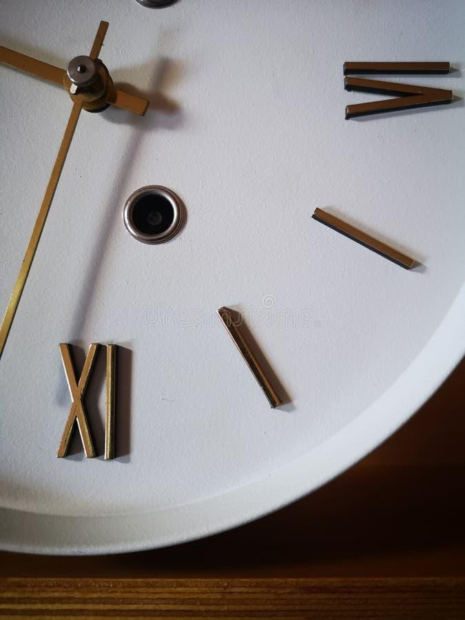 Peut-être ils sont les horloges antiques les plus anciennes image libre de droits
