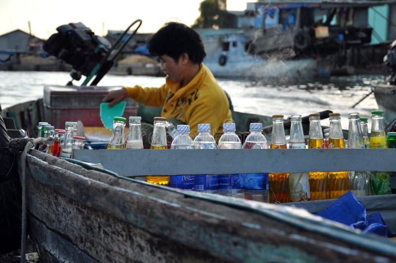 Le marché de flottement d'Eao Rang, peut Tho, delta du Mékong, Vietnam images stock