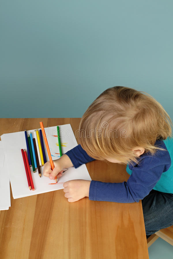 Download Peuterjonge Geitjesonderwijs Stock Foto - Afbeelding bestaande uit peuter, kind: 39117066