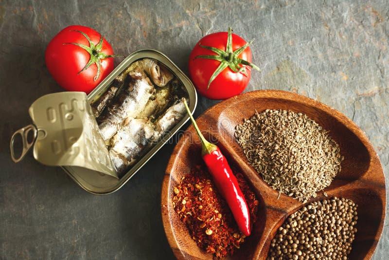peuvent les sardines image libre de droits