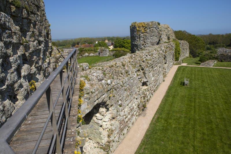 Pevensey-Schloss in Ost-Sussex stockbilder