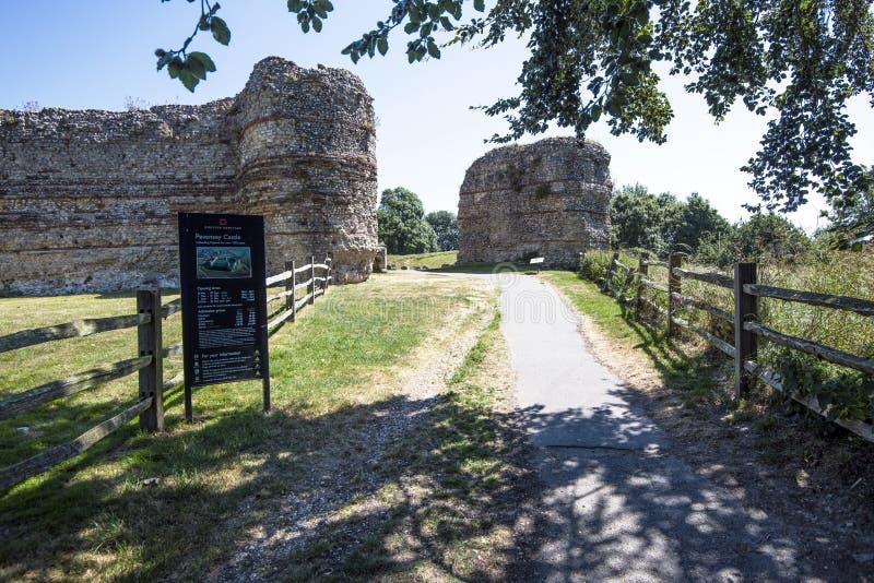 Pevensey slott, östliga Sussex, England royaltyfri foto