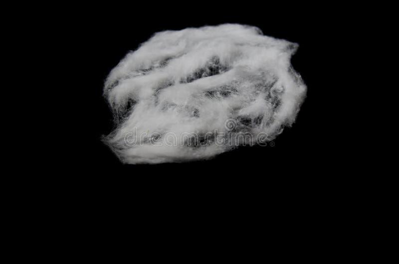 Pezzi bianchi del cotone del cotone lanuginoso fotografie stock libere da diritti