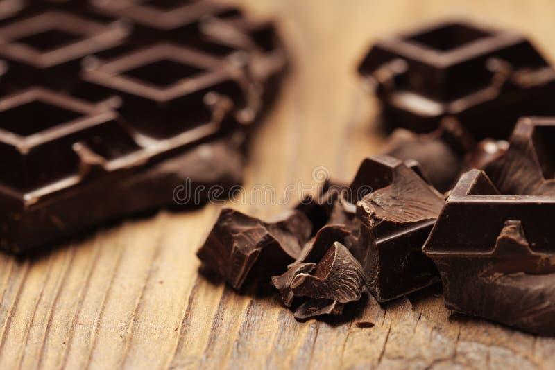 Pezzi di cioccolato fondente immagini stock
