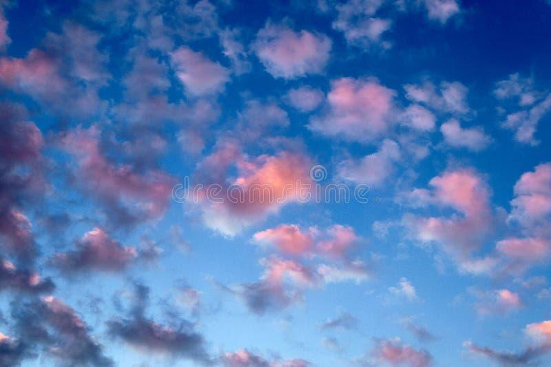 Pezzi di nuvole fotografia stock libera da diritti
