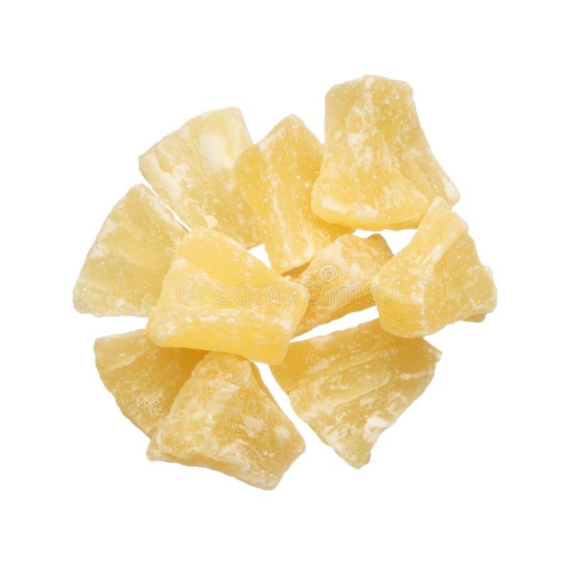 Pezzi secchi dell'ananas isolati su fondo bianco fotografia stock