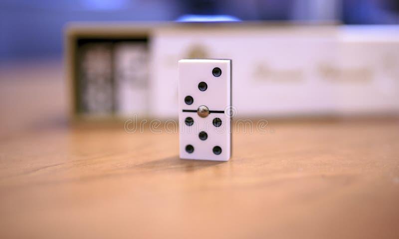 pezzi tre e cinque di domino fotografia stock