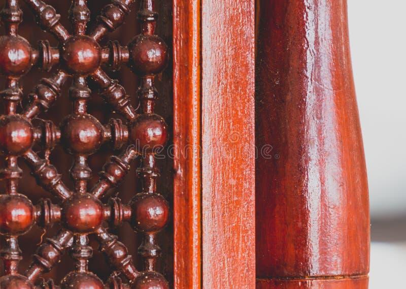 Pezzo di mobilia di legno scolpita, stile arabo immagine stock libera da diritti