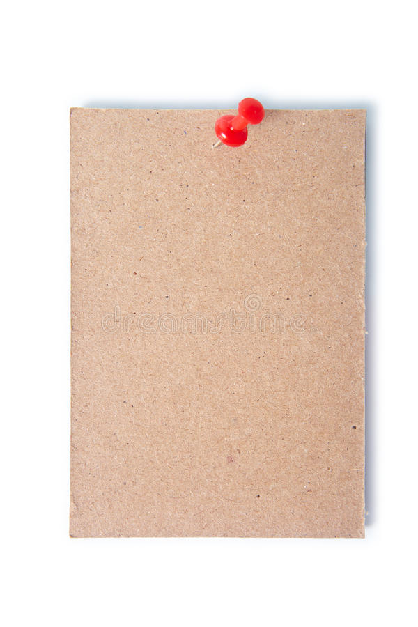 Pezzo singolo di cartone appuntato con un chiodo a testa piatta con il percorso di ritaglio immagini stock libere da diritti