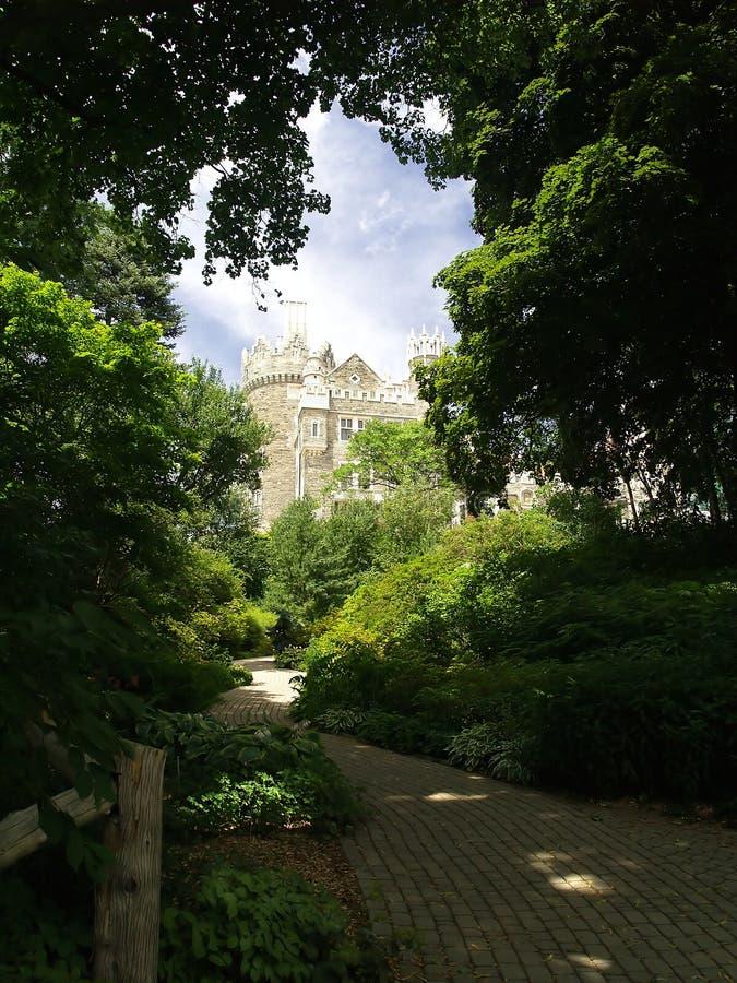 Pfad zum Schloss stockfoto