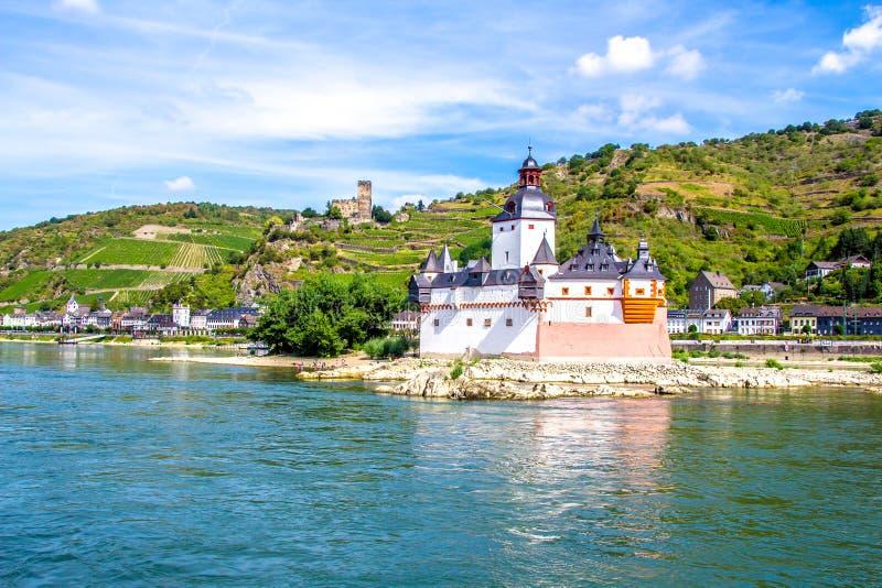 Pfalzgrafenstein-Schloss, auf der Falkenau-Insel im Rhein-riv stockbilder