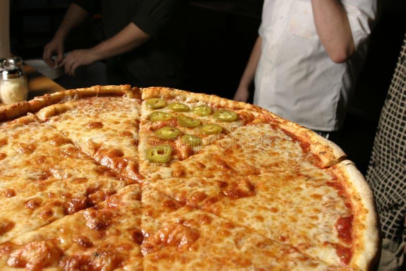 Pfeffer-Pizza-einzelne Scheibe stockbild
