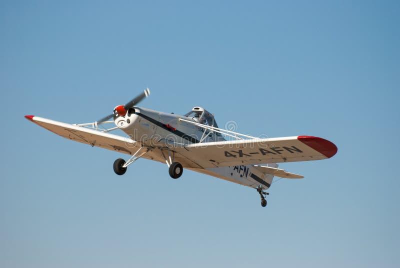 Pfeifer PA-25-260 Pawnee in Sde-Teymanflughafen lizenzfreie stockfotos