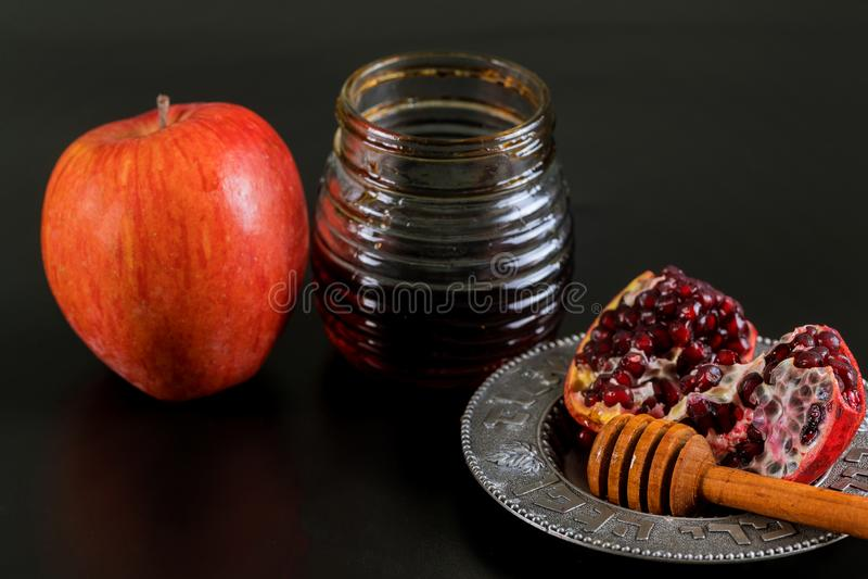 ?pfel, Granatapfel und Honig f?r Rosh Hashanah lizenzfreies stockbild