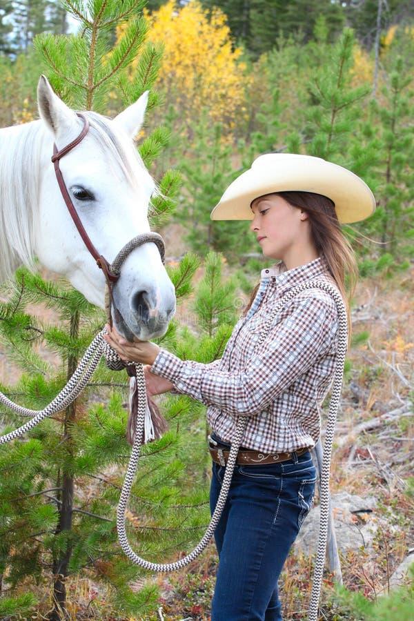 Pferd und Mensch lizenzfreies stockbild
