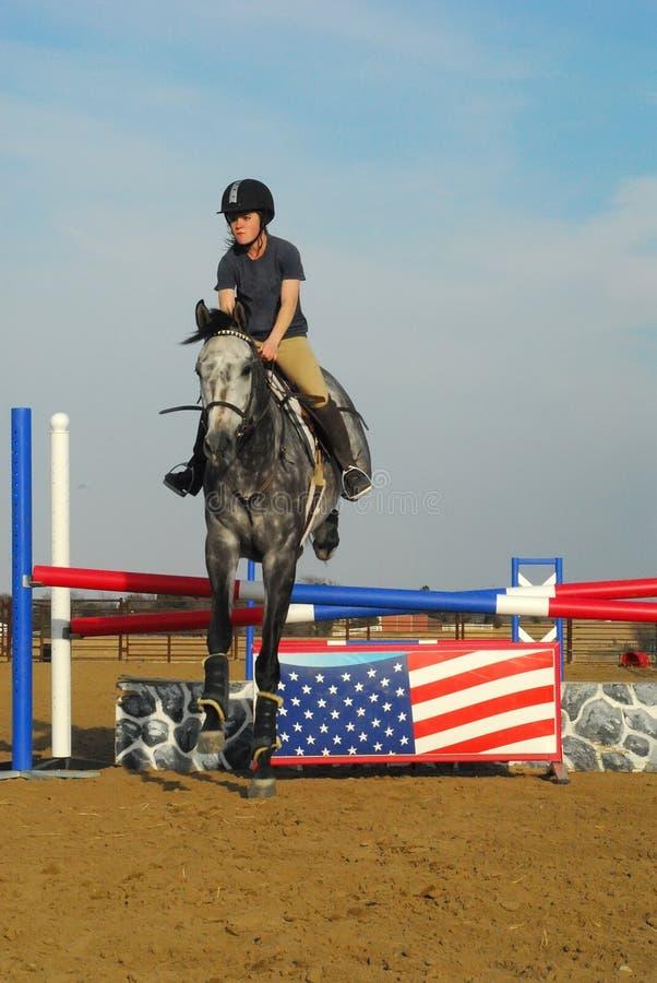 Pferden-Reiten lizenzfreie stockfotografie