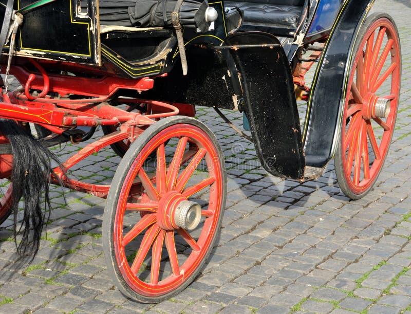 Download Pferdenwagen stockbild. Bild von italien, metall, geschichte - 27727265