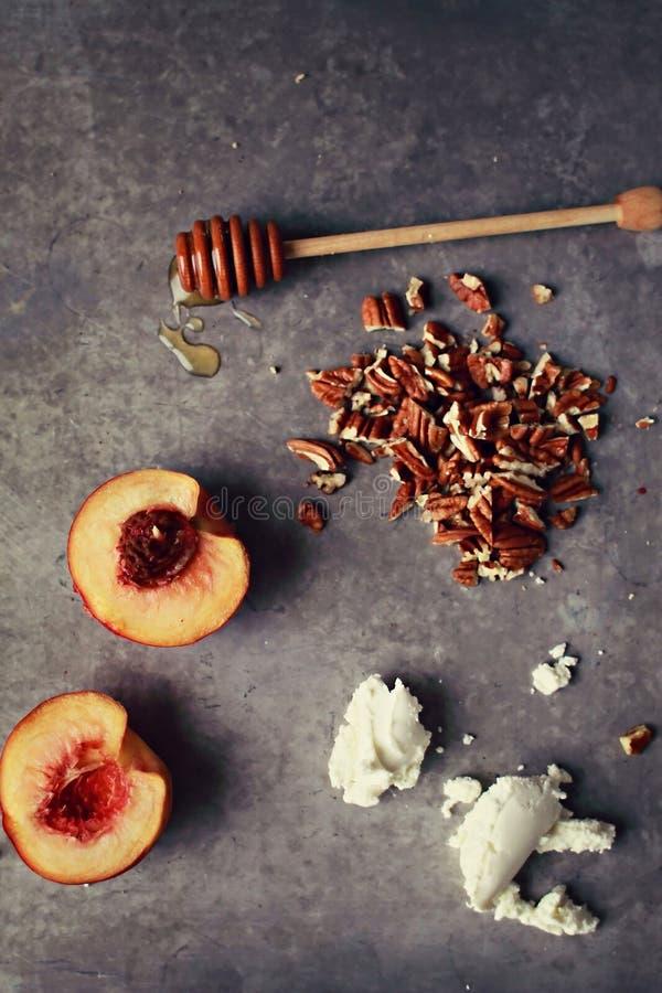 Pfirsiche und Bestandteile stockfotografie