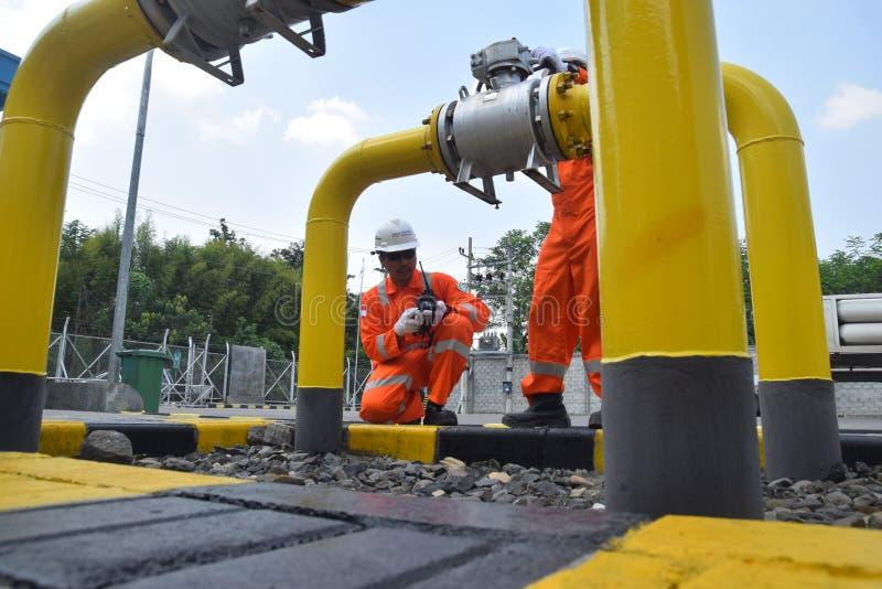 PGN breidt de Infrastructuur van de Aardgaspijpleiding in Semarang uit stock foto