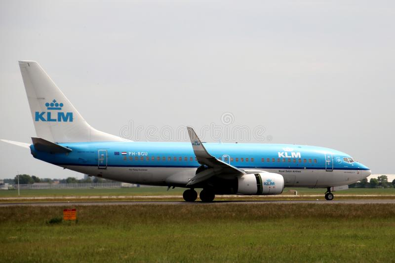 PH-BGU KLM Royal Dutch Airlines Boeing 737 Aircraft landing at the Polderbaan 36L-18R at the Amsterdam Schiphol airport in the Net stock photos