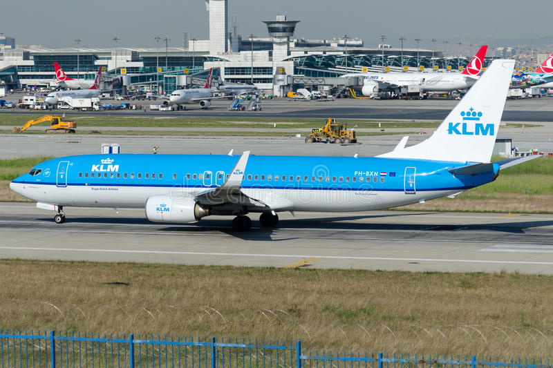 PH-BXN KLM Royal Dutch Fluglinien, Boeing 737-8K2 lizenzfreie stockfotos