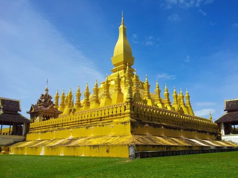 Pha то Luang в Вьентьян Лаосе стоковые изображения