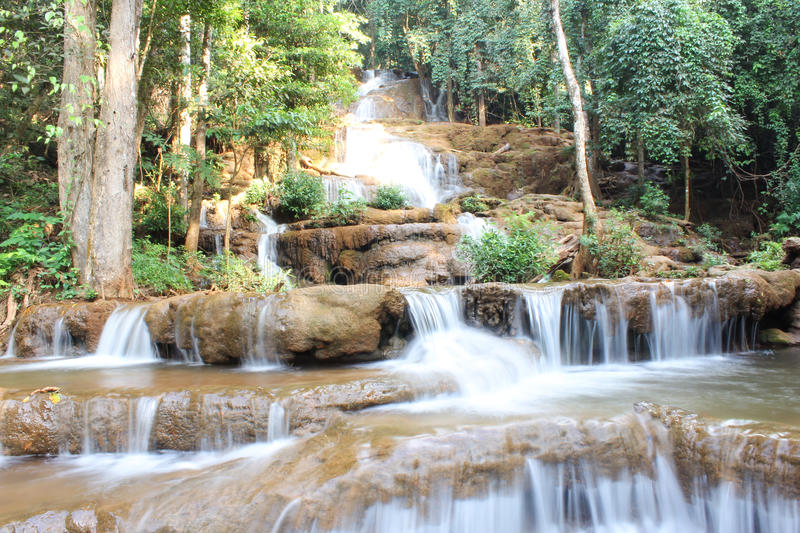 Pha Charoen Waterfall. images libres de droits