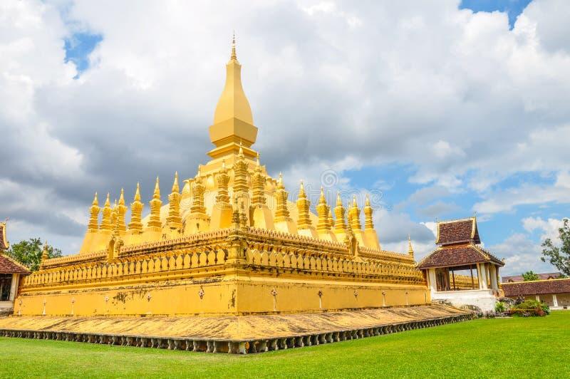 Pha dat Luang-stupa het symbool van de stad van Vientiane is, royalty-vrije stock fotografie