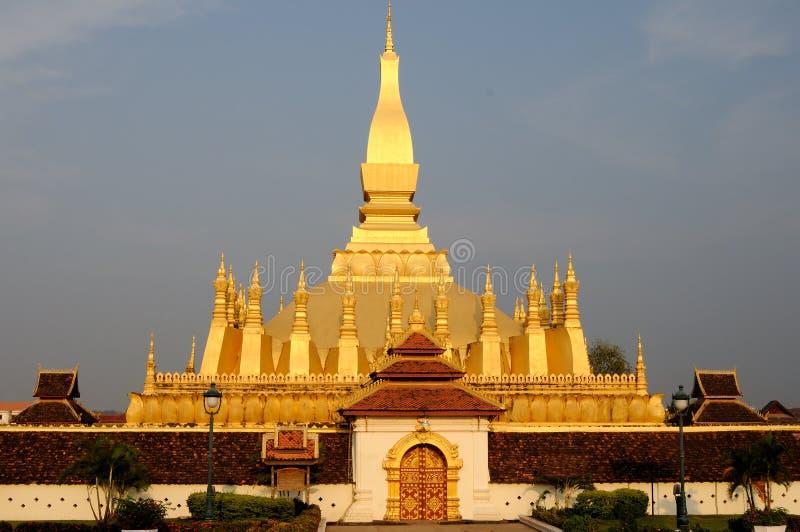Pha dieses Luang stupa stockfotos
