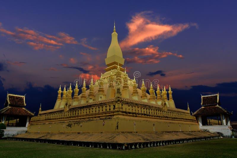 Pha quel Luang Vientiane nel tempo crepuscolare fotografia stock libera da diritti