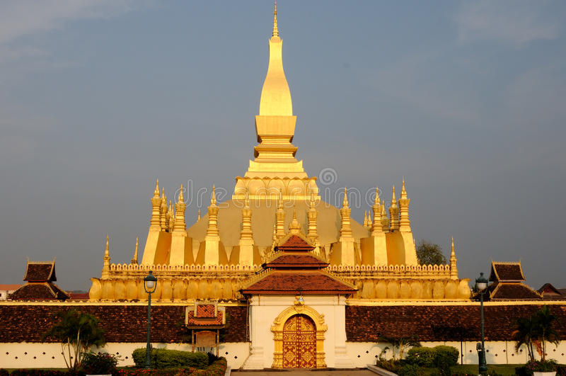 Pha quello stupa di Luang fotografie stock