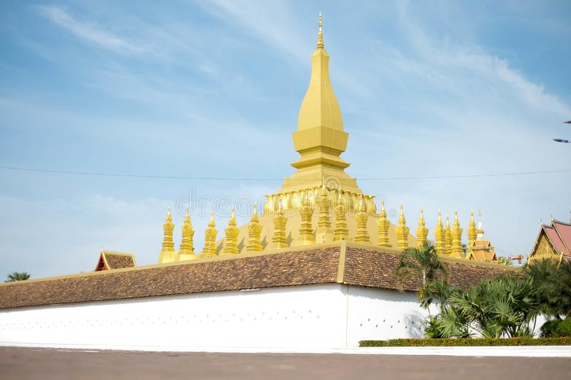 Pha qui temple de Luang, la pagoda d'or à VIENTIANE, LAOS PDR Le point de repère le plus célèbre du LAOS photo libre de droits