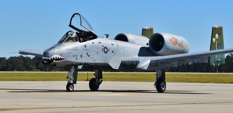 Phacochère de l'Armée de l'Air A-10/coup de foudre II photos stock