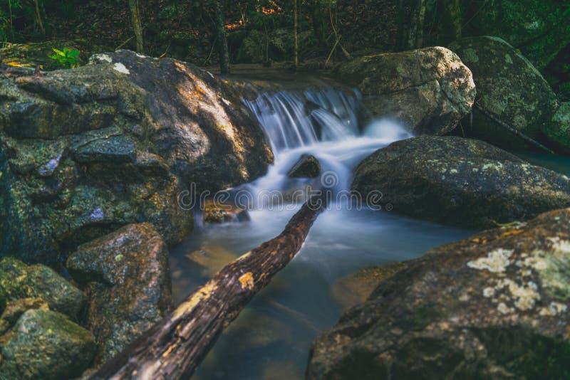 Phaeng vattenfall Koh Phangan Thailand arkivfoto