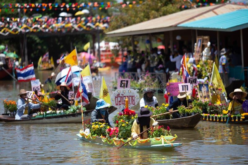 Phak Hai District, Ayutthaya-Provinz, - Juli 17,2019, Festival von Lent Candle Procession, Chaod-Kanal des jungen Mannes lizenzfreies stockbild
