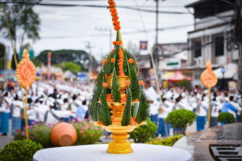 Phan тайское традиционное Baci - предлагающ стоковые фотографии rf