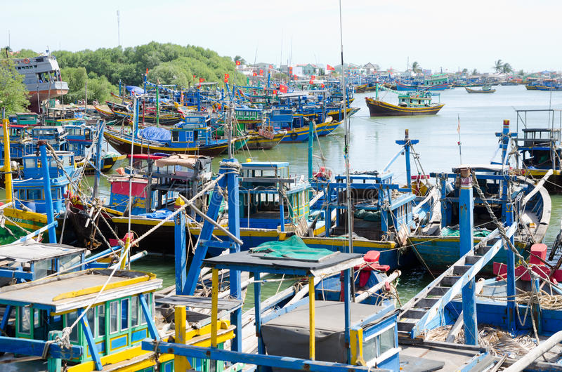 Download Fishing Boats In Vietnam Editorial Image - Image: 29863130