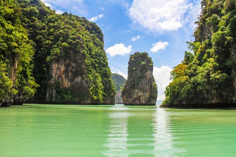 Phang Nga fjärd, James Bond Island i Thailand arkivbilder